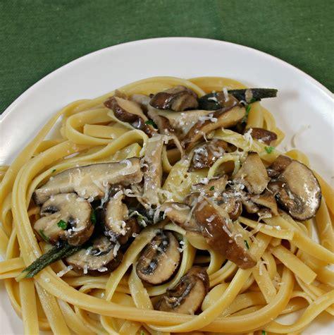 Linguini me proshutë e kërpudha - Neps