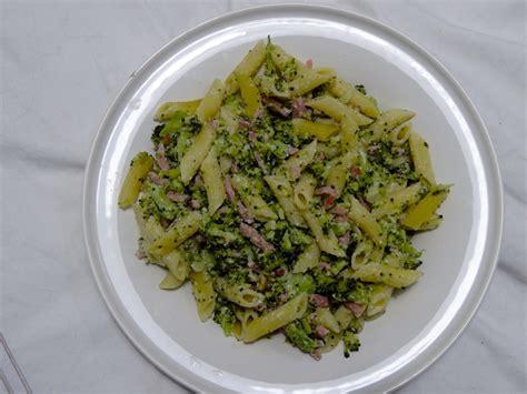 gratin de pates brocolis jambon recette de p 226 tes aux brocolis et au jambon dine move