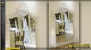 Miroir Blanc Baroque : grand miroir baroque blanc sculpt avec guirlandes de fleurs ~ Teatrodelosmanantiales.com Idées de Décoration