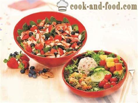 Vasaras salāti ar svaigiem dārzeņiem: 4 receptes