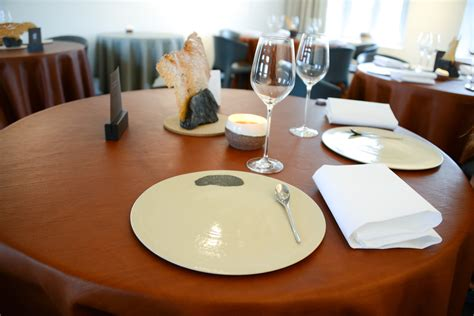 restaurant table settings l air du temps restaurant this guy s food blog