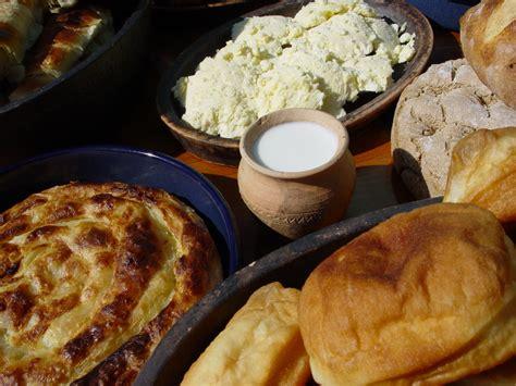 domactis cuisine food drink durmitor adventuresdurmitor adventures
