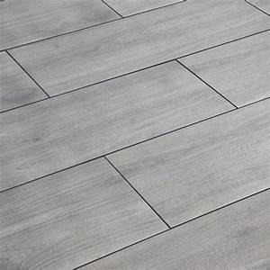 Feinsteinzeug Terrassenplatten 2 Cm : terrassenplatte cera 2 0 erle anthrazit 40 x 120 x 2 cm ~ Michelbontemps.com Haus und Dekorationen