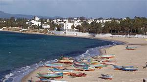 Tunisia Tries to Save Battered Tourism Industry ...