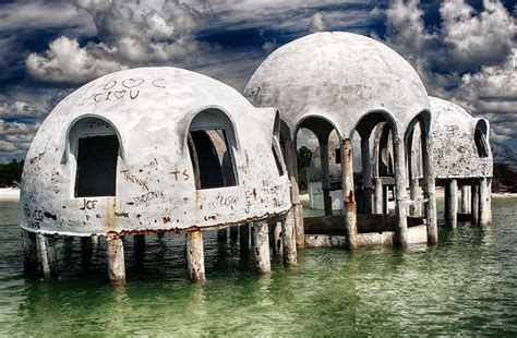 casa a cupola misteriose a cupola in mezzo al mare darlin magazine