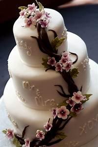 Weddings at Poco – the Perfect Wedding Cake | Weddings at Poco Diablo Resort Sedona, Arizona