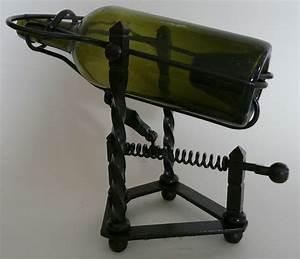 Décanteur De Vin : d canteur verseur vin en fer forg photo de art de la table art populaire mus e ~ Teatrodelosmanantiales.com Idées de Décoration