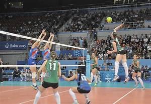 Baku 2017: Azerbaijani women's volleyball team in finals