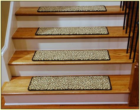lowes kitchen floors 25 best ideas about stair tread rugs on 3877