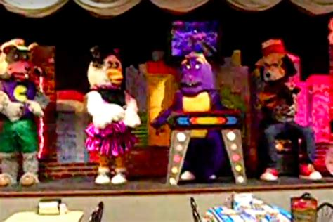 After terrifying children for years, Chuck E. Cheese's ...