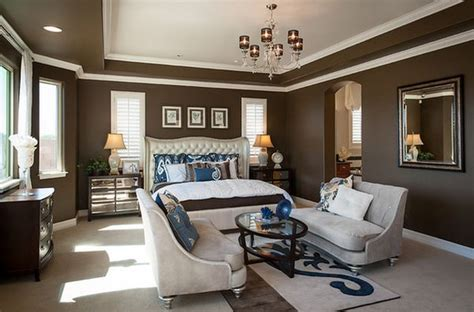 Large Bedroom Decorating Ideas by Creating A Master Bedroom Sitting Area