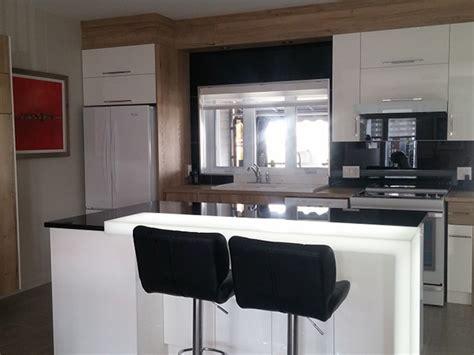 remplacer porte cuisine excellent prix renovation cuisine ou refacing with