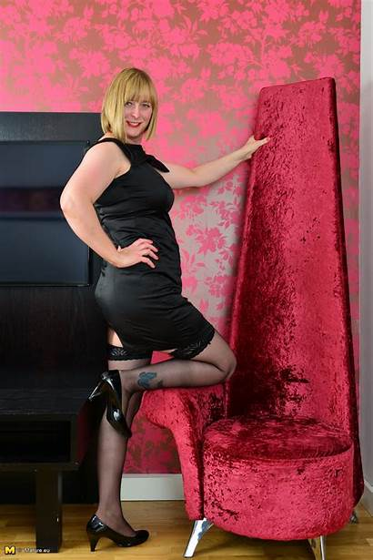 Housewife Frisky Curvy Mature British Very Getting