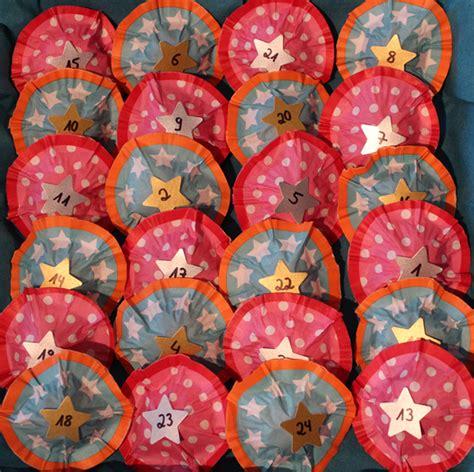 basteln mit muffinförmchen diy adventskalender aus muffinf 246 rmchen ars vera e