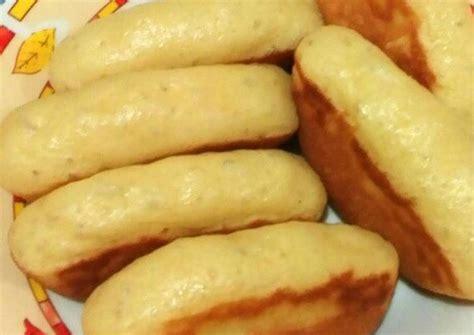 Jika berbicara kue pukis, kue ini dapat dikatakan sebagai kue yang dibuat dari modifikasi kue wafel dan adonan kue cara bikang. Resep Kue PUKIS empuk oleh Tatiara - Cookpad