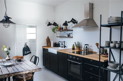 cuisine laxarby kitchen of the week a diy ikea country kitchen for two