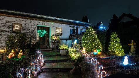 Garten Berlin Weihnachtsbeleuchtung by So Viel Weihnachtlicher Lichterglanz B Z Berlin