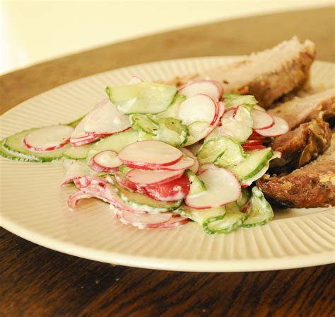 Redīsu-gurķu salāti ar jogurta mērci | Recipe | Food ...