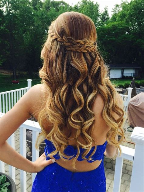 elegant prom night hairstyles for graduation party