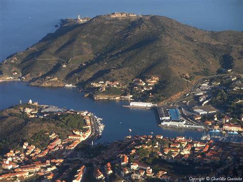 photo aerienne de port vendres pyrenees orientales