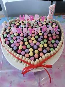 Idée Recette Anniversaire : g teau anniversaire smarties recette idee anni birthday cake cool birthday cakes et desserts ~ Melissatoandfro.com Idées de Décoration