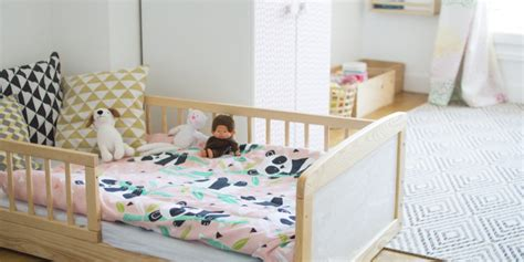 chambre fille 2 ans lit pour fille de 2 ans wordmark