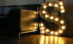 Enseigne Lumineuse Vintage : 16 best lettre lumineuse evenis images on pinterest illuminated letters weddings and vintage ~ Teatrodelosmanantiales.com Idées de Décoration