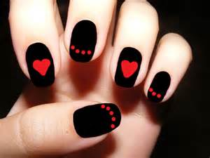 Red and black nails for you to try pretty designs