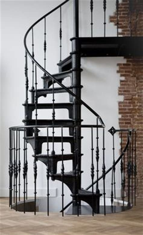 wenteltrap oud stairs on pinterest vans spirals and stairs