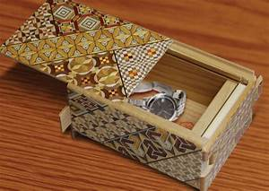 Himitsu-Bako Japanese Puzzle Box - The Green Head