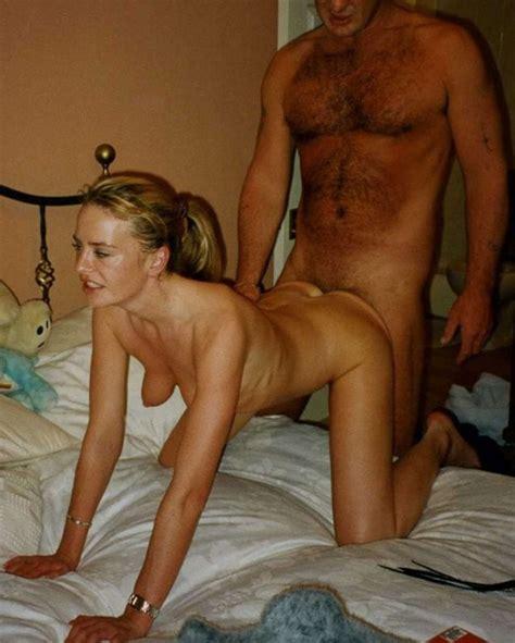 amateur porn mature mistress enjoys her pussy