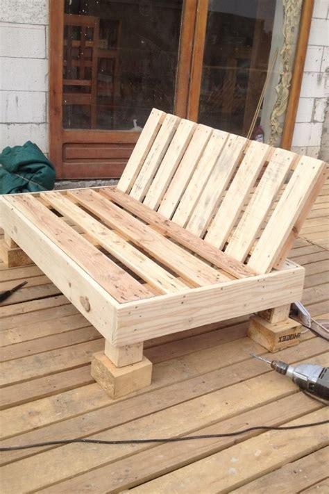 canape palette recup atelier bricolage fabriquer un fauteuil avec une palette