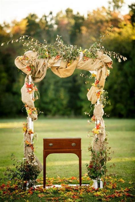 idees pour une arche de mariage romantique  elegante