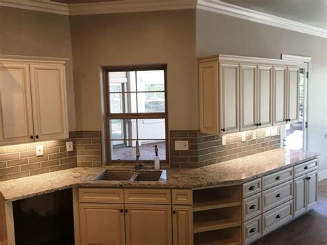kitchen cabinets antique white glaze antique white maple glazed kitchen cabinets 7996