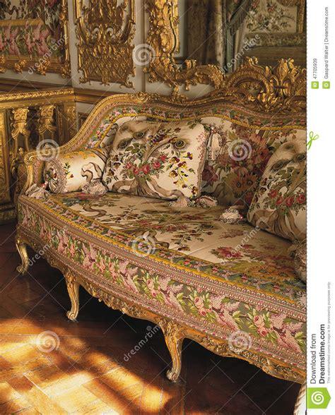 chambre de la reine versailles meubles dans la chambre à coucher de la reine