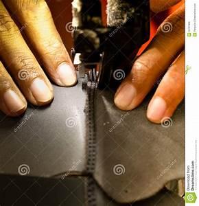 Proceso De Costura Del Calzado Imágenes de archivo libres de regalías Imagen: 35781969