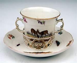 Kpm Porzellan Antik : kpm berlin doppelhenkel tasse trembleuse tier blumen ~ Michelbontemps.com Haus und Dekorationen