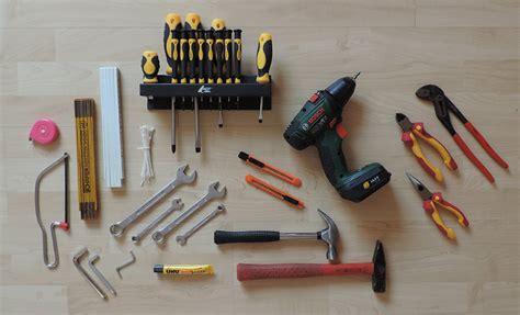 werkzeugkoffer das werkzeug  checkliste uebersicht