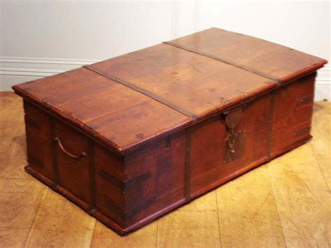 A statement piece of furniture for traditional and rustic living spaces, this coffee table has the look of a vintage chest made from planks of wood. 10 Storage Chest Coffee Table Uk Inspiration