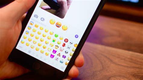 video emoji ios crazy face shushing