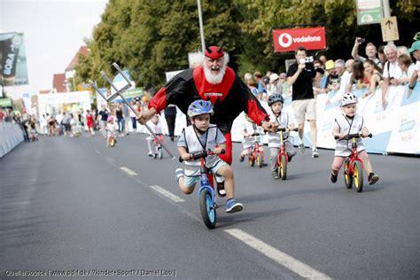 römer kindersitz fahrrad kindern radfahren beizubringen dauert nur eine stunde