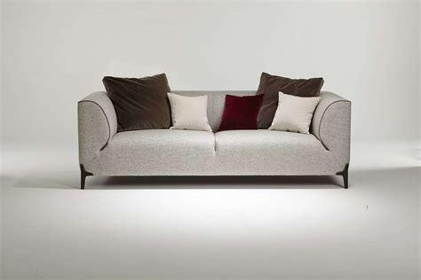 canaper design canapé haut de gamme créé par le designer emmanuel gallina