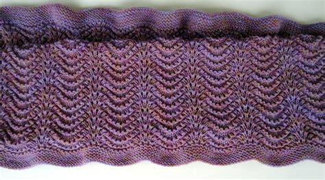 bitten  knittin feather  fan baby blanket