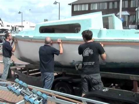 Boat Deck Joint Repair by Rebuilding A Hull Deck Joint