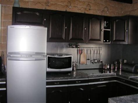 renover une cuisine rustique maison vieillote à rajeunir choix des couleurs