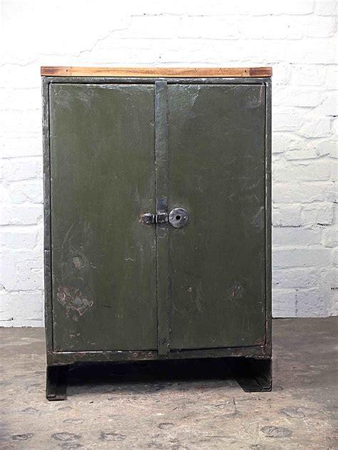 Vintage Industrial Möbel by Vintage Metallschrank Vintage Industrieschrank Vintage