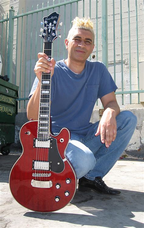 pat smear  people famous people news  biographies
