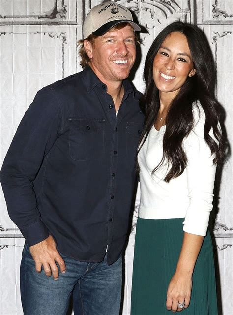hulu hgtv 25 best ideas about hgtv shows on pinterest fixer upper show fixer upper house and fixer