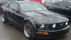 File:Modded 2005-09 Ford Mustang GT Liftback (Sterling Ford).jpg - Wikimedia Commons