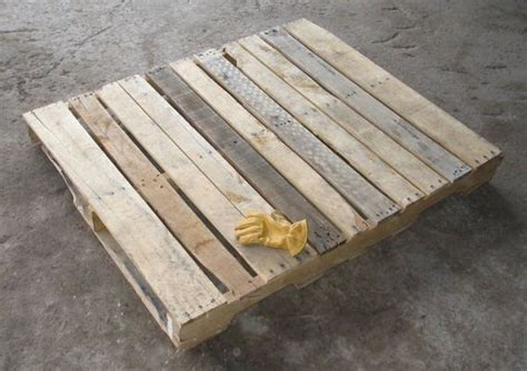 simple wood pallets